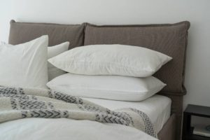 https://www.google.com/search?q=why+pillows+turn+yellow&oq=why&aqs=chrome.2.69i57j46i433j69i59l2j69i60.2002j0j4&client=ms-android-xiaomi-rev1&sourceid=chrome-mobile&ie=UTF-8